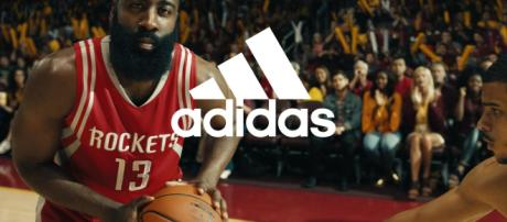Adidas, James Harden testimonial: la pagina FB italiana si riempie d'insulti razzisti