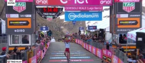 La vittoria di Ilnur Zakarin al Lago Serrù.