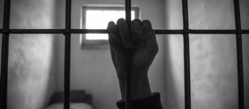 Lecce, giovane ragazzo si toglie la vita in carcere, la madre: 'Doveva prendere i farmaci'