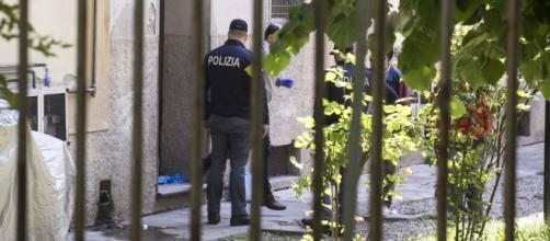Milano, bruciature d'accendino sui piedi del bimbo ucciso dal padre   adnkronos.com