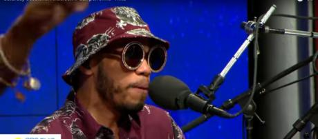 Anderson .Paak went from the groove of 'Tints' to subtle romance in his 'Saturday Sessions' set. [Image source: BSThisMorning-YouTube]