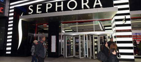 Sephora appears to be becoming more incliusive. [Image Source: Kolforn/Wikimedia Common]