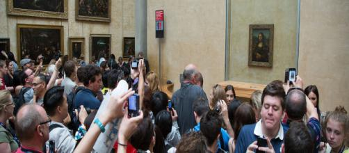 The Louvre currently owns five of da Vinci's works including the Mona Lisa, seen here. [Image source: Wikimedia Commons/Victor Grigas]
