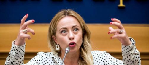 Giorgia Meloni chiede l'abolizione del reddito di cittadinanza