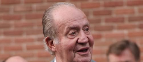 Tras 39 años de Reinado, el Rey Juan Carlos decide estar lejos de la luz pública