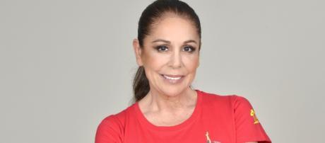 Isabel Pantoja se molesta ante la nominación por parte de Colate