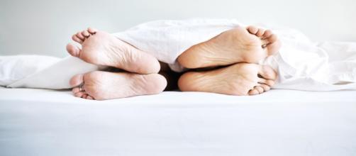 Dormir à deux, un rêve ou un cauchemar ? - Madame Figaro - lefigaro.fr