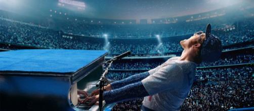 Taron Egerton é o intérprete de Elton em 'Rocketman'. (Arquivo Blasting News).