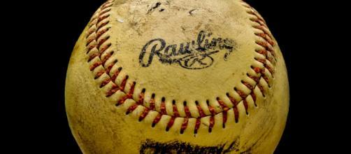 A baseball similar to those used in MLB and minor league games. [Image via Capri23auto - Pixabay]
