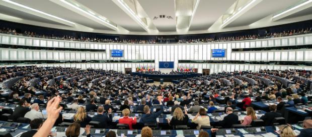 Européennes : L'Ifop et OpinionWay donnent le RN devant En Marche