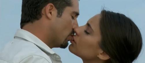 Ana Paula e Gustavo se reencontram. (Reprodução/YouTube)