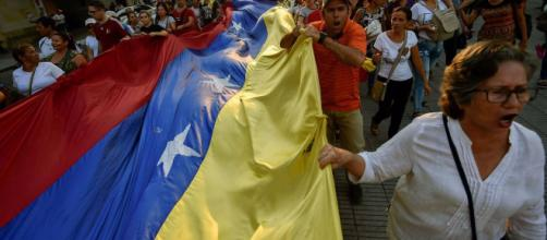 El País | Más pobreza entre los migrantes venezolanos en España ... - albertonews.com