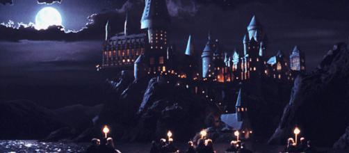Si torna alla scuola di magia e stregoneria di Hogwarts.