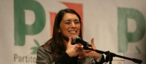 Pina Picierno oggetto di insulti sessisti sul web