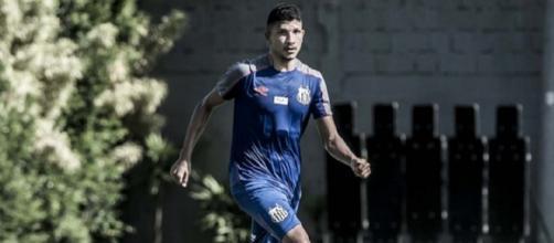 Yuri está muito perto de trocar o Santos pelo Flu. (Divulgação/ Ivan Storti/ Santos FC)
