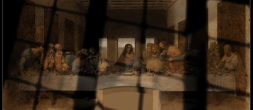 The Last Supper by Leonardo Da Vinci got to be so famous because it was held from the public view for so long. [Image Source: Star71us/YouTube]