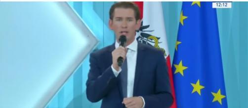 Il cancelliere Kurz: 'diminuiti del 95% gli sbarchi dei migranti in Europa dal 2015'