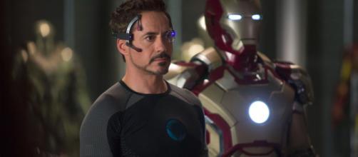 Robert Downey Jr. se tornou um ícone do cinema ao viver Tony Stark (Arquivo Blasting News)
