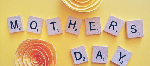 5 frasi per la Festa della Mamma da inviare tramite WhatsApp e Facebook