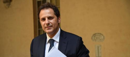 Il Consiglio dei ministri ha revocato l'incarico al sottosegretario Armando Siri.