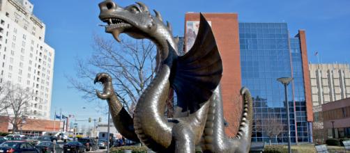 Cina, scoperto fossile di dinosauro con le ali - wikipedia.org