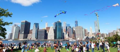 'Lift Off: A Waterfront Kite Festival' is a beloved annual event at Brooklyn Bridge Park. (Image via Nancy Webster, used with permission.)