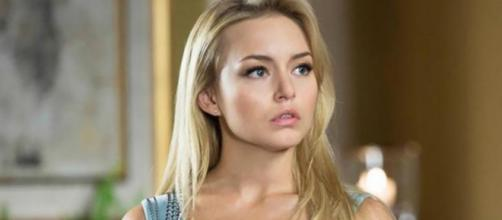 Segundo estilista, atriz ainda não devolveu vestido. (Reprodução/Televisa)