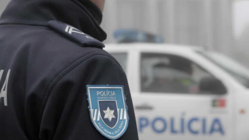 Agente da PSP empurrado em Barcelos sofre lesão grave