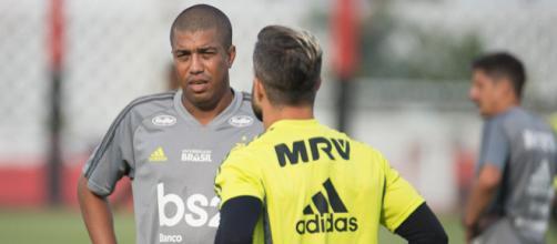 Interino Marcelo Salles estreia no comando do Flamengo neste sábado (11). [Arquivo Blasting News]
