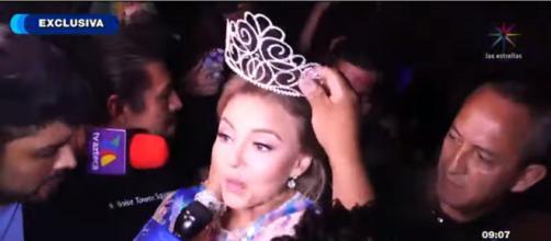 Angelique Boyer em evento nos EUA. (Reprodução/Televisa)