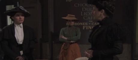 Una Vita, spoiler: Leonor affronta Cristina, Ursula viene smascherata