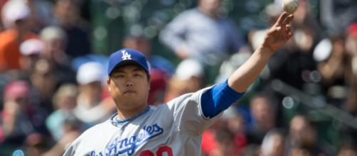 Hyun-Jin Ryu currently has the lowest ERA in the majors. [Image Source: Flickr | Keith Allison]