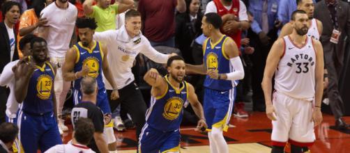 Los Warriors están a dos victorias del tricampeonato. - spokesman.com