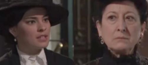 Una Vita, trame: Ursula rinnegata dai vicini dopo essere stata smascherata da Leonor