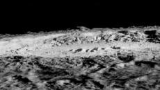 Mistero sulla Luna: un enorme oggetto metallico sepolto nel suo lato nascosto