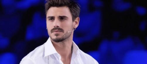 Francesco Monte irritato dalle voci di flirt con Maria Josè: 'Una caz..., basta così'.