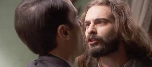 Il Segreto, trame: Alvaro e Isaac quasi alle mani per colpa della Laguna