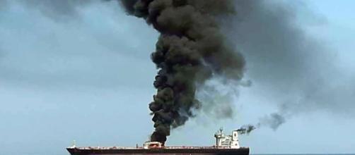 Un nuevo ataque a dos petroleros en el golfo de Omán dispara las alarmas