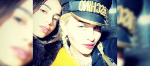 Anitta e Madonna lançam regravação de hit português. (Arquivo Blasting News)