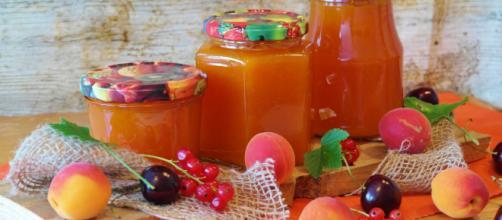 La conservación de las frutas es un trabajo culinario que muchas familias realizan en sus hogares.