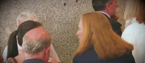La regañina de la infanta Elena a Victoria Federica en público. / YouTube