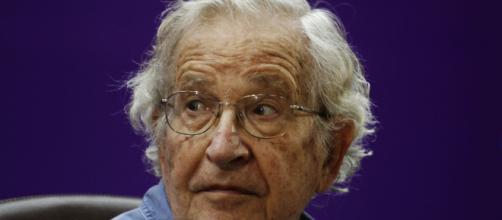 Noam Chomsky non parteciperà al convegno a Udine