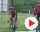 Chris Froome con Poels pochi attimi prima dell'incidente