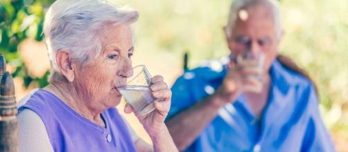 La sana alimentación en la tercera edad ayuda a mejorar la salud. - cinfasalud.com