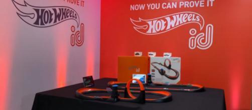 Mattel's upcoming new 'Hot Wheels id' line takes the car line into the digital age. [Image Source: FamilyGamerTV/YouTube/Screenshot]