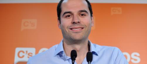 Aguado revela que Ciudadanos no tiene interés en la propuesta de Carmena.
