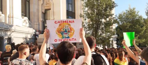La manifestación por Carmena se convierte en un rechazo a VOX y PP
