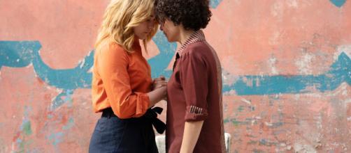 Un simple beso entre dos mujeres ha provocado polémica en Marruecos