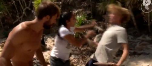 Colate sufre una caída durante un forcejeo con Dakota