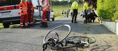 Calabria, 13enne cade dalla bici e si ferisce al capo. (foto di repertorio)